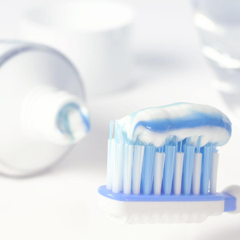 igiene orale 800x800 1 Trattamenti Odontoiatrici 2
